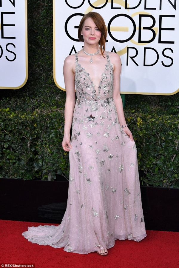 Emma Stone robe rose sexy 2017 Golden Globes